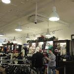 schilderen van plafond en wanden winkel Roermond Nederland